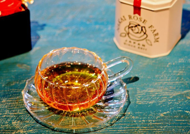 バラのお茶とエイジングケアに役立つ商品なら【株式会社バラの学校】の通販~送料無料の商品も揃う~ バラを使用したお茶の画像